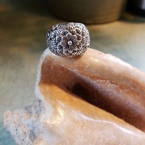 SOLD!!!CHUNKY STERLING FLOWER DOME RING!